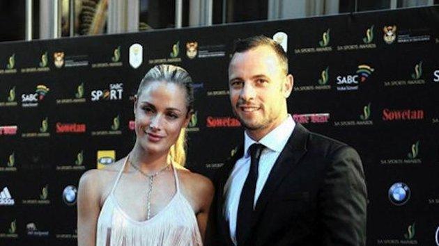 Caso Pistorius - La policía le dijo a la familia de Reeva que fue golpeada